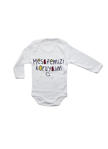 By Bebek Odam Mesafemizi Koruyalım Yazılı Bebek Uzun Kollu Zıbın Beyaz